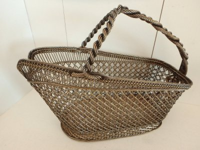 Vintage twisted ajouré basket for wine
