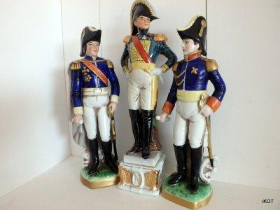 Каподимонте Наполеон и Офицеры