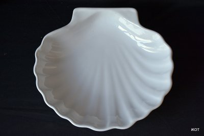 "vintage Emile Henry Tray for jewelry ""Shell"""