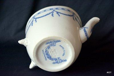 Wedgwood England Teapot SYR