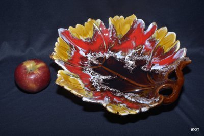 "Vallauris. Vase-tray ""Maple leaf"""