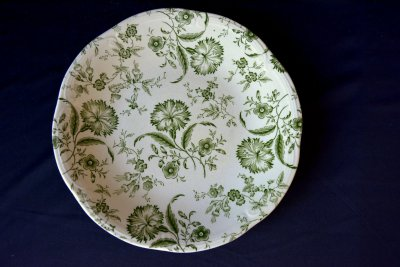 "Gien Set of 9 plates ""Green flowers"""