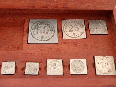 Exupere Paris Scales precious stones