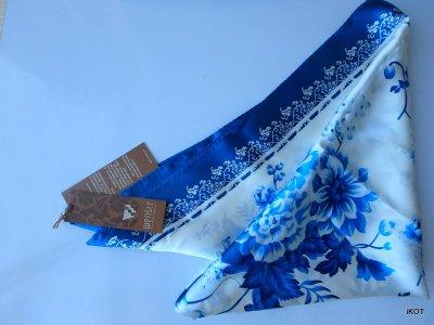 Silk scarf Wensli