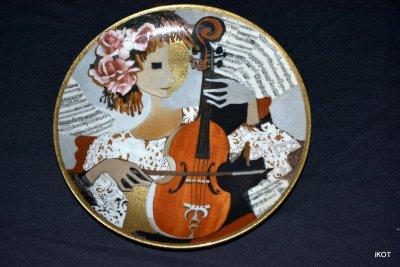 Тарелка N 1638B «Девушка с альтом» «Fröhliche Musikanten»