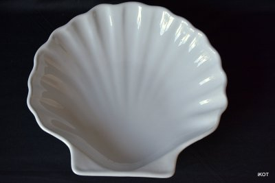 "Emile Henry. Tray for jewelry ""Shell"""