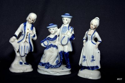 "Figures ""Victorian style"""