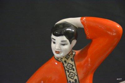 "Large vintage figure ""Two Ukrainian Dancers"""