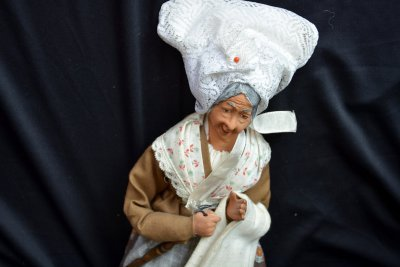 Simone Jouglas. Saintouge folk dolls BonMaman