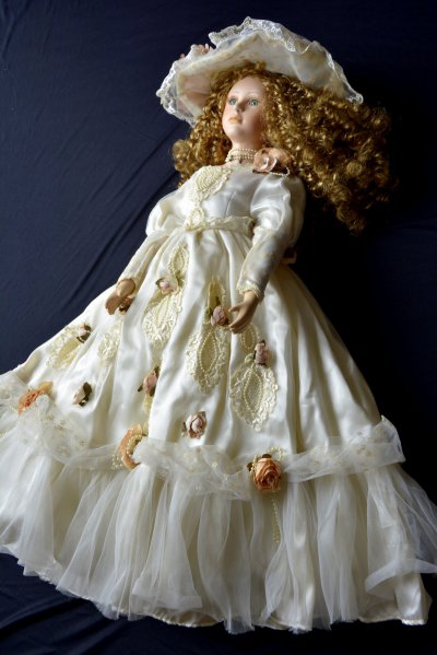 "Doll in Wedding cloth Doll ""Mariage"""
