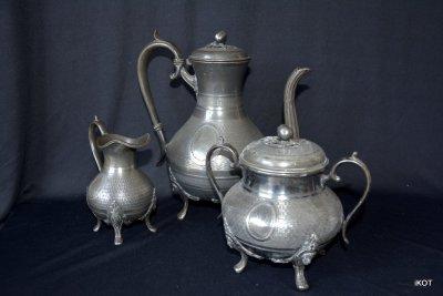 Антикварный коллекционный старинный набор из олова