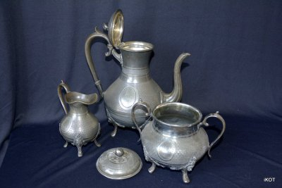 "Set of metal-ware ""Apple"""