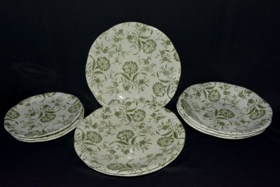 "Gien. Set of nine plates ""Green flowers"""